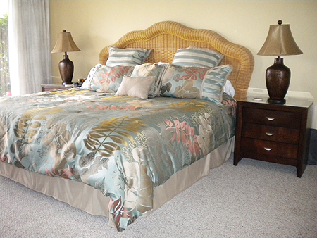 King Bed in Master Bedroom 4105