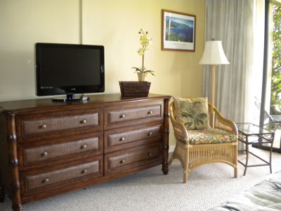 Large Dresser and Flat Panel TV in Master Bedroom 4105