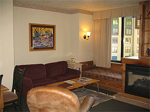 Grand Summit 341 Living Room